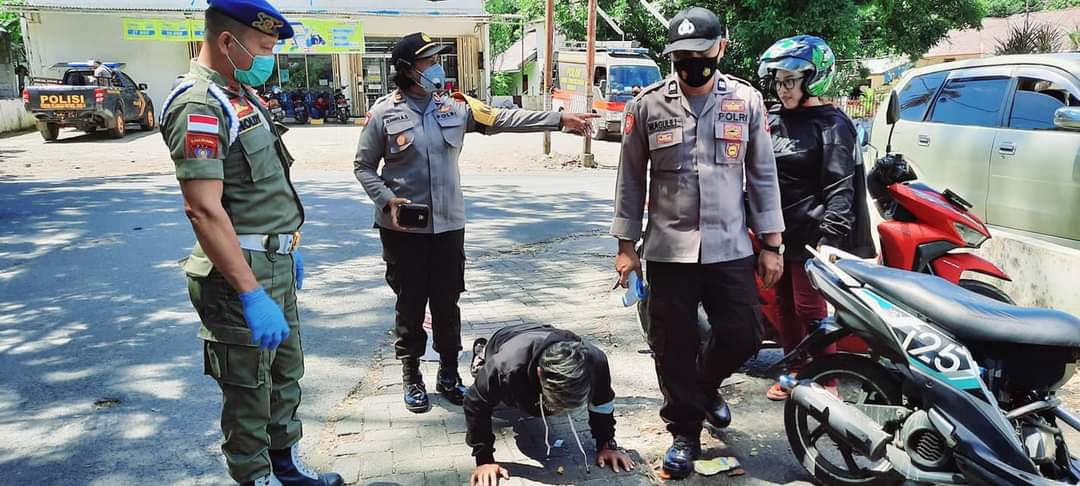 Warga terjaring patroli diberi sanksi