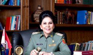 >> Walikota Kotamobagu Tatong Bara.