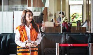 >> Bupati nonaktif Talaud, Sri Wahyumi Maria bersiap menjalani pemeriksaan di gedung KPK.(ist)
