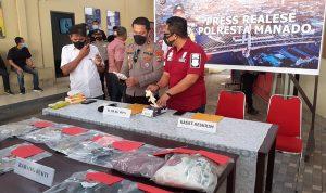 >> Konferensi pers yang digelar di Mapolresta Manado, Sabtu (29/05) pekan lalu.