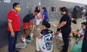 >> Atlet Pelatda PON saat menjalani tes fisik.