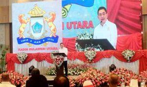 >> Calon Ketua Umum Kadin, Arsjad Rasjid saat menyampaikan visi dan misinya kepada perwakilan Kadin daerah di Hotel Luwansa Manado, Sabtu 12/6 malam.