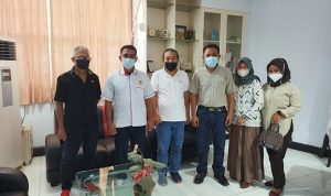 >> Utusan KONI Provinsi Gorontalo berpose bersama perwakilan Pengurus KONI Provinsi Sulut