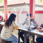 >> Jalannya pelayanan pembuatan SIM yang dilaksanakan Polres Kepulauan Sitaro.