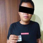 >> Pelaku bersama barang bukti diamankan di Polresta Manado.
