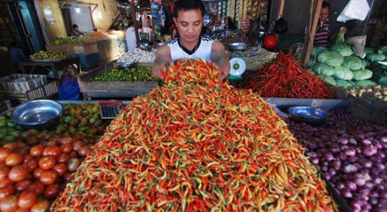 >> Cabe di pasar tradisional.