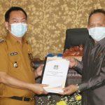 >> Walikota Tomohon Caroll Senduk dan Ketua DPRD Djemmy Sundah.