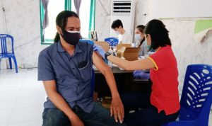 Pelaksanaan vaksinasi Covid-19 di Sulut beberapa waktu lalu.
